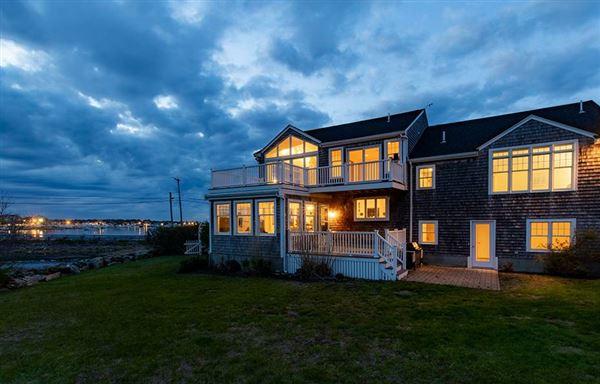 Luxury homes in Lovely seaside gem