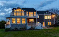 Mansions in Lovely seaside gem