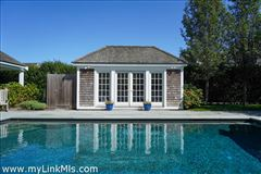 Luxury real estate private location at the end of Hedgebury Lane