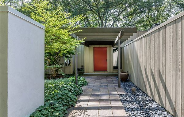 Luxury properties Mid Century Modern set in Historic Middlebury