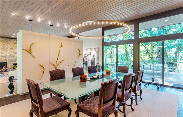 Luxury homes Mid Century Modern set in Historic Middlebury