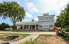 exceptional estate in chatham mansions