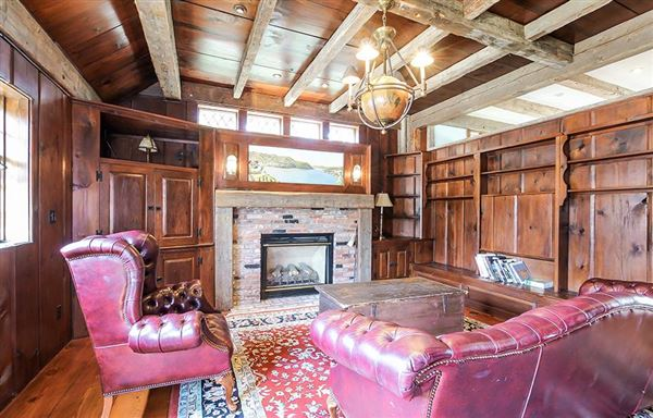 Luxury properties  exceptional estate in chatham