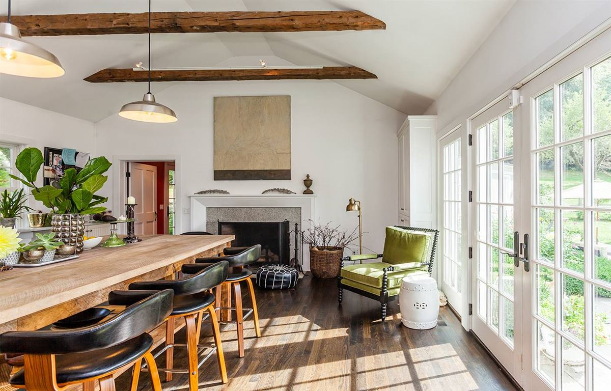 Luxury properties Uber Chic Designer Country Home