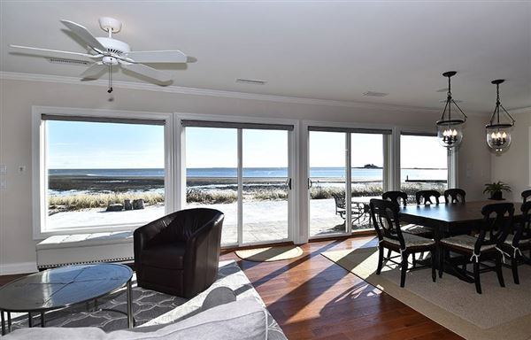 front row position on Long Island Sound luxury homes