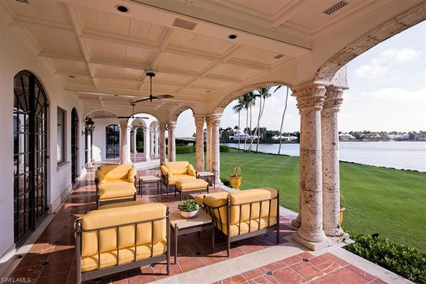 Luxury real estate superb home in naples