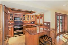 Luxury homes in rare property in Aqualane Shores