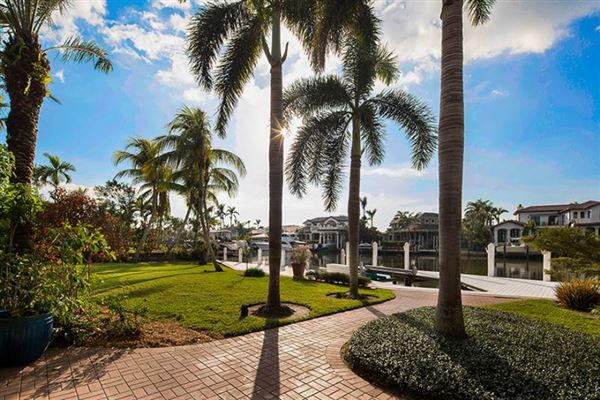 rare property in Aqualane Shores luxury properties