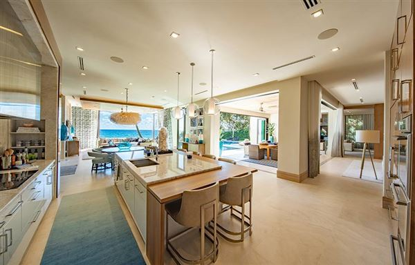 Mansions in ultra modern masterpiece in hillsboro beach