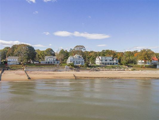waterfront living in clinton luxury real estate