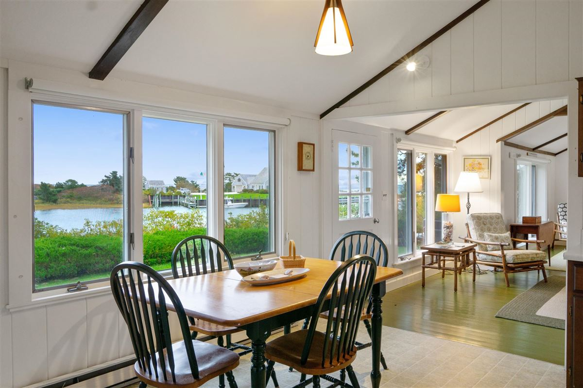 Luxury homes simple Cape Cod lifestyle in harwich