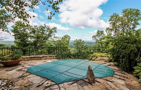 Magnificent views in simsbury luxury homes