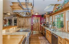 Luxury real estate Magnificent views in simsbury