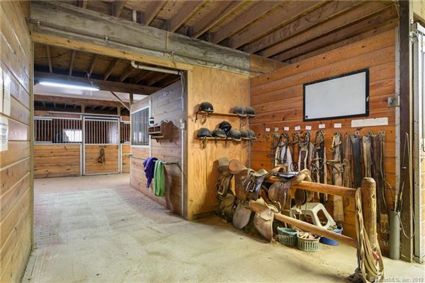Luxury properties home and equestrian facility in clinton