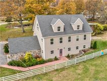 Luxury homes home and equestrian facility in clinton