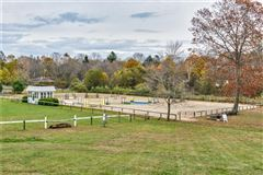 home and equestrian facility in clinton luxury properties