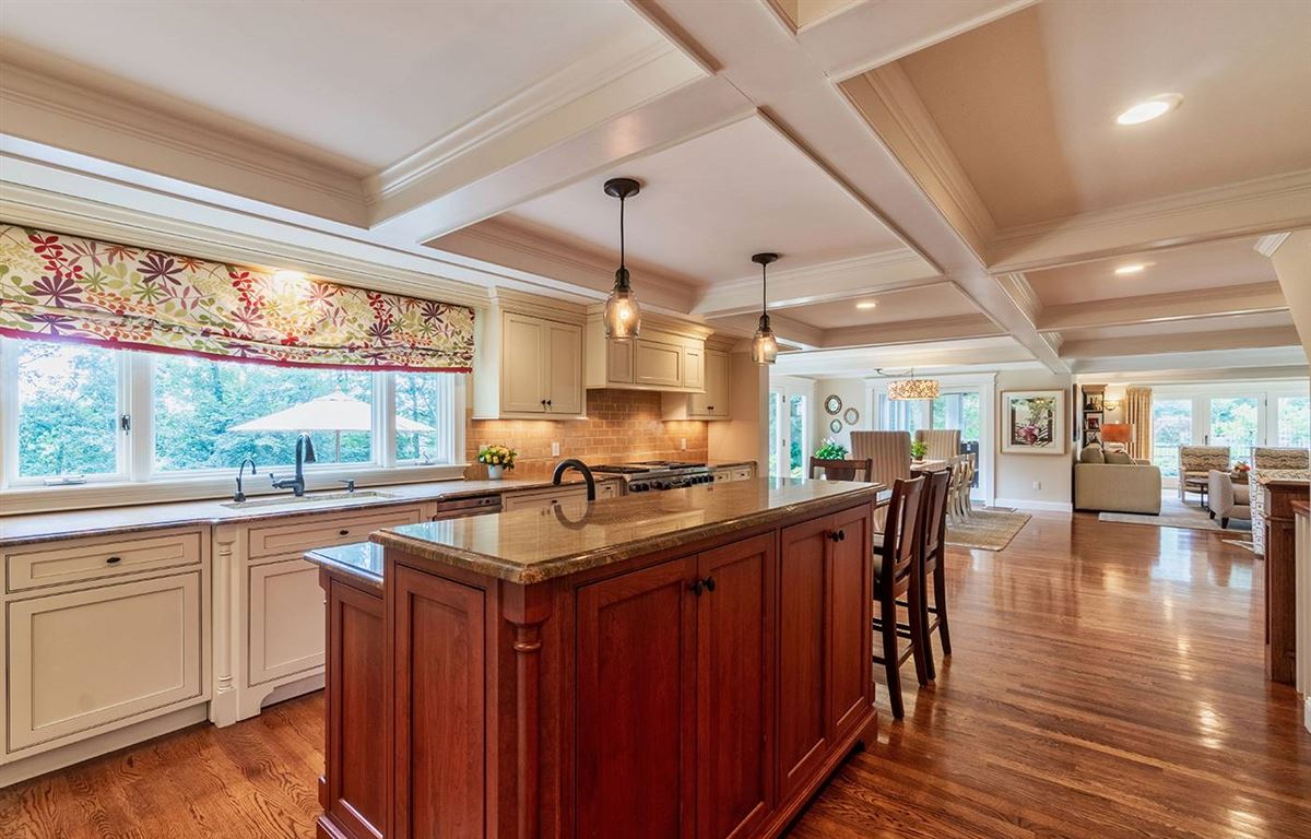 Luxury properties ONE-OF-A-KIND SHERBORN ESTATE