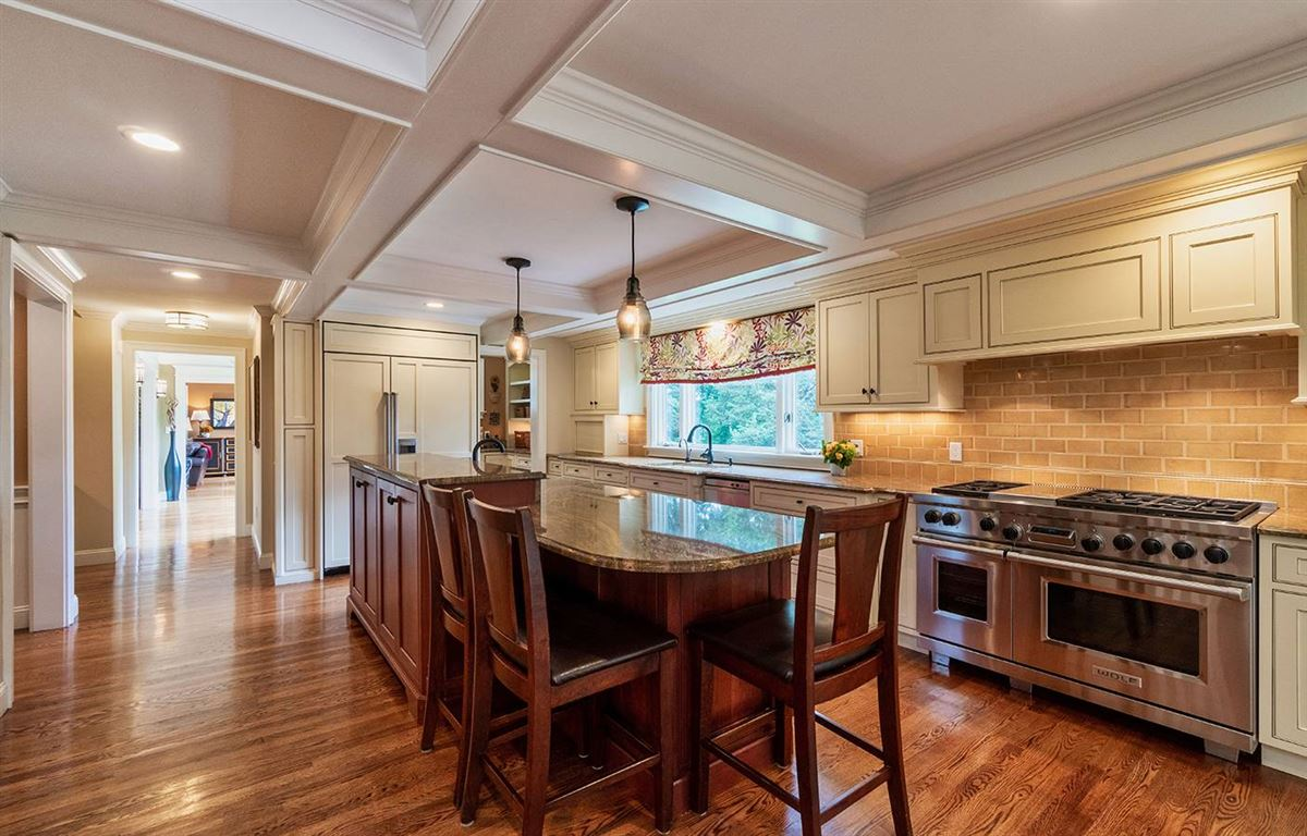 Mansions ONE-OF-A-KIND SHERBORN ESTATE