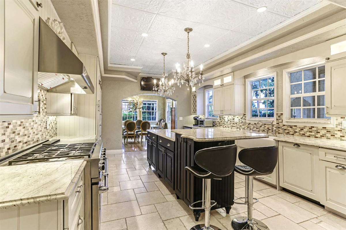 Luxury homes in gated estate in Historic West Palm Beach