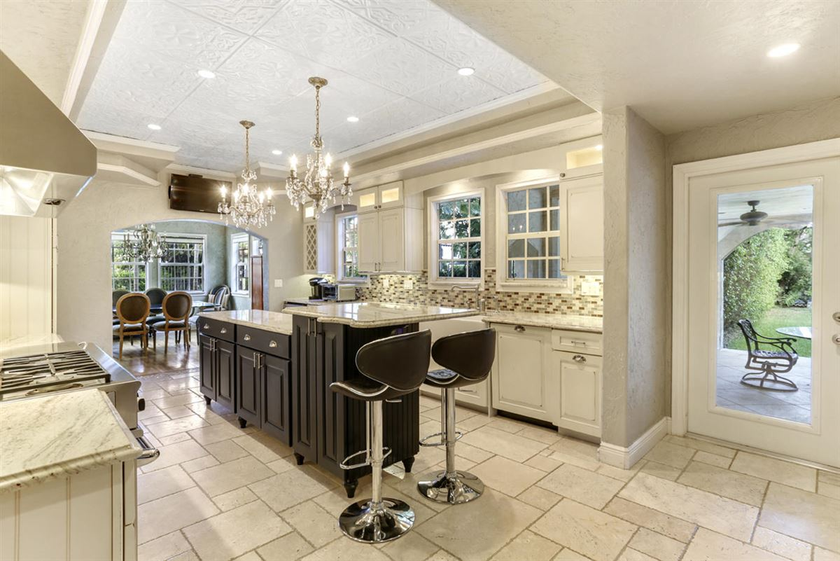 Mansions in gated estate in Historic West Palm Beach