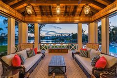 Mansions in spectacular property in Port Royal