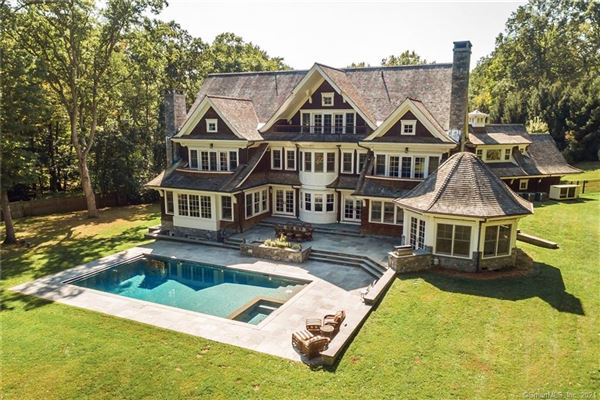 Mansions  timeless Nantucket Style home