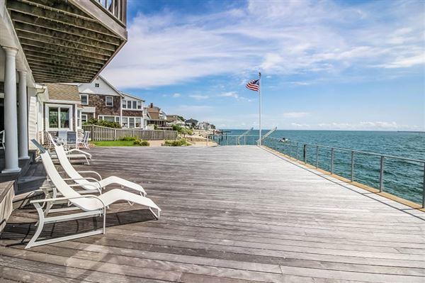 Enjoy sunshine and sand luxury homes