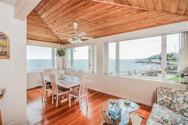 Enjoy sunshine and sand luxury properties