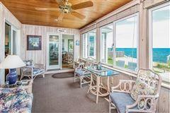 Luxury properties Enjoy sunshine and sand