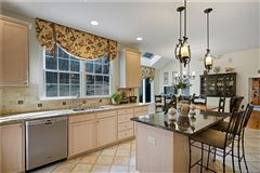 Mansions beautiful Colonial with expansive open plan