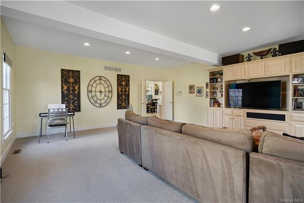 beautiful Colonial with expansive open plan luxury properties