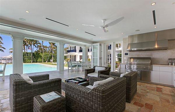 Luxury real estate Hypoluxo Island private luxury estate