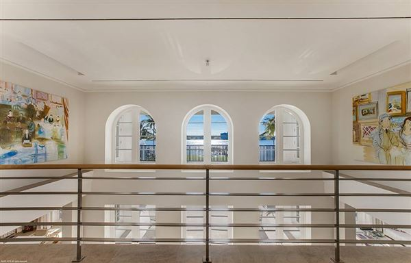 Luxury properties Hypoluxo Island private luxury estate