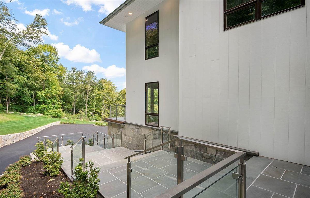 gorgeous modern smart home luxury properties