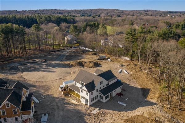 Luxury homes new home in exclusive South Meadow