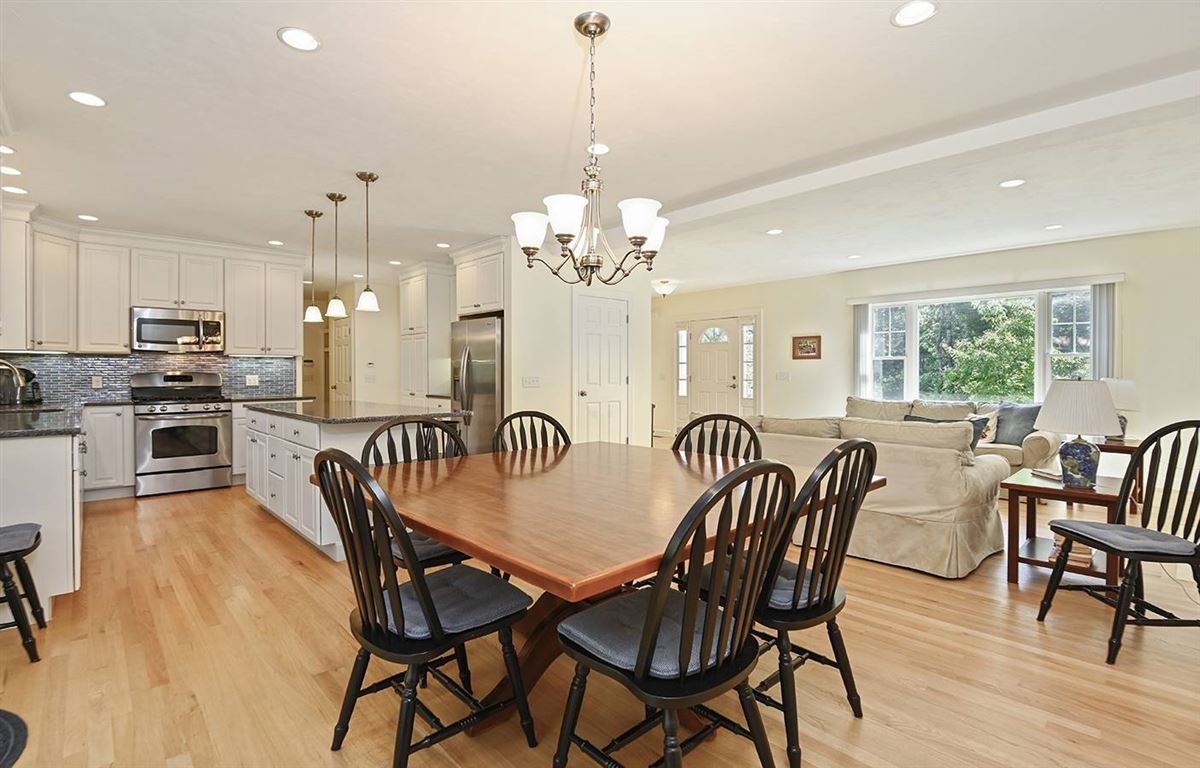 Luxury homes pristine and spacious colonial home