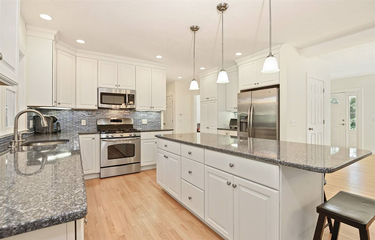 pristine and spacious colonial home luxury real estate
