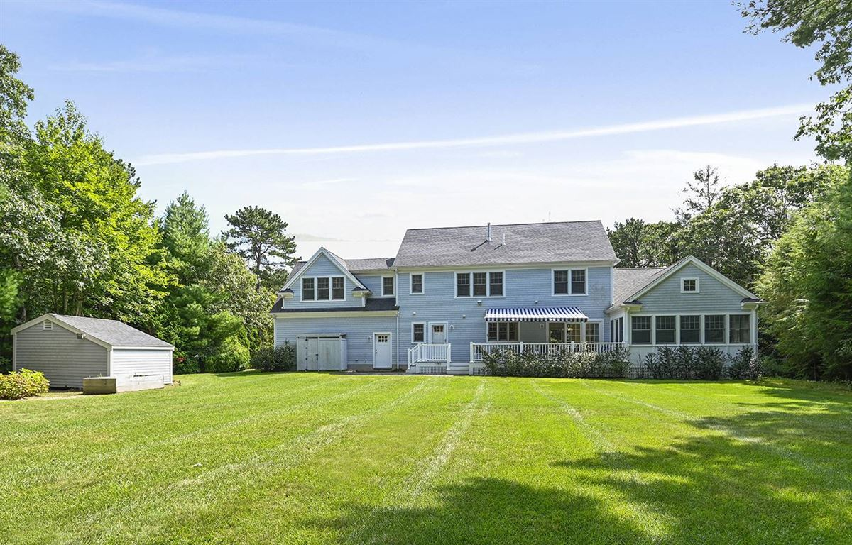 Luxury real estate pristine and spacious colonial home