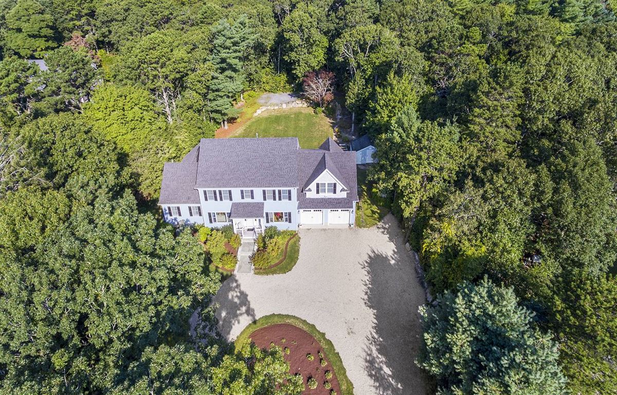 Luxury properties pristine and spacious colonial home
