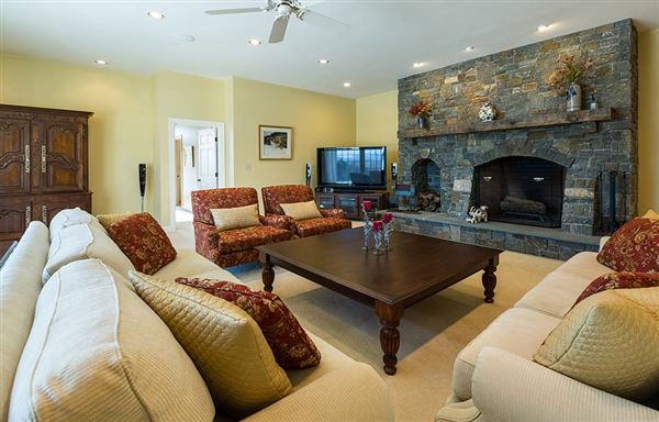 Luxury real estate exquisite country home in a majestic setting