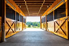 Luxury real estate  Cedar Grove Farm