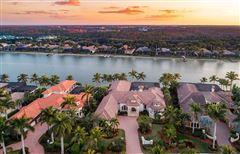 Luxury properties luxury estate home in Miromar Lakes