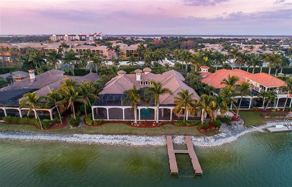 luxury estate home in Miromar Lakes luxury homes
