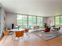 Mansions in Litchfield Moderne Stunning property