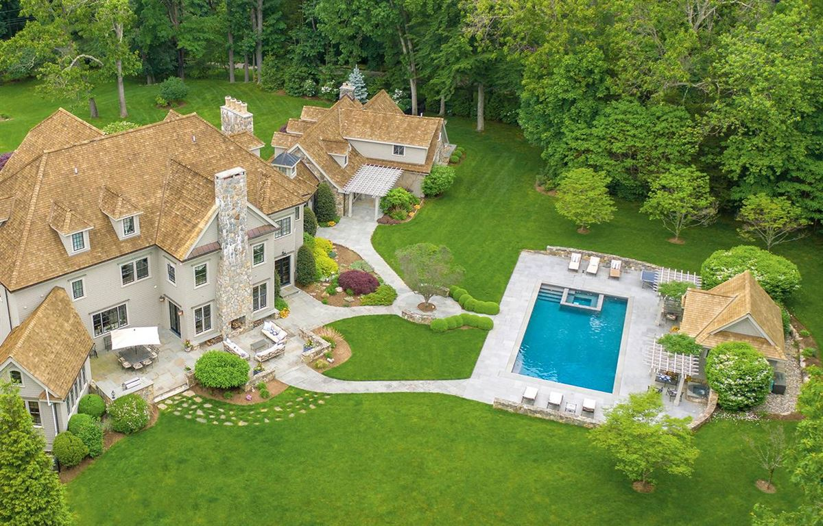 Luxury homes in the best of yesterday and today