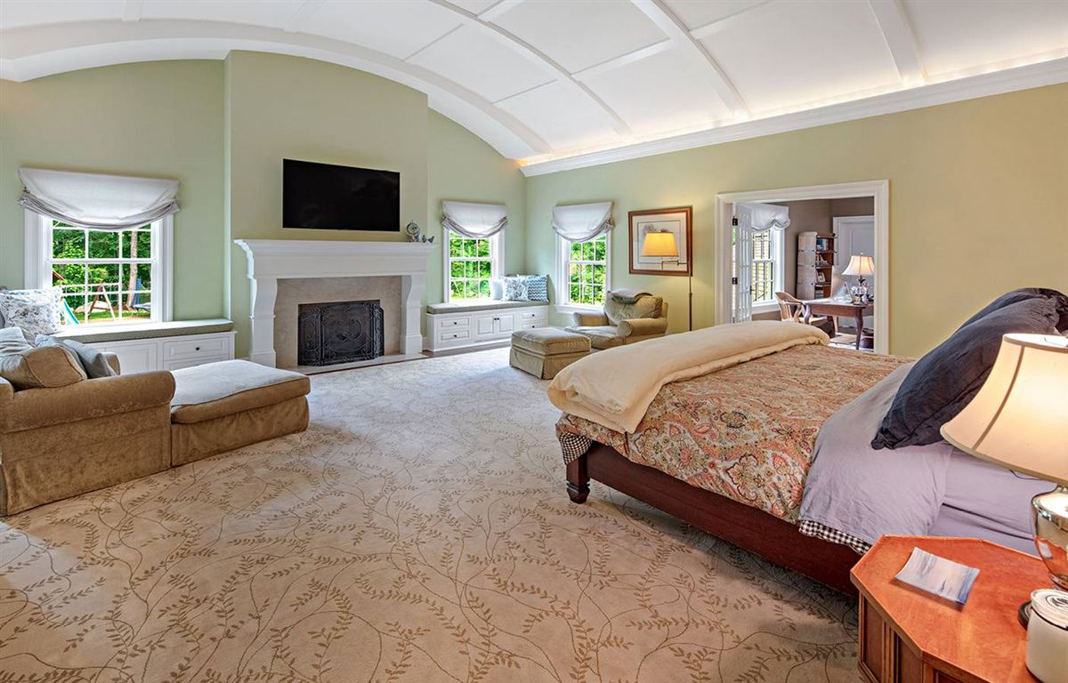 the best of yesterday and today luxury homes