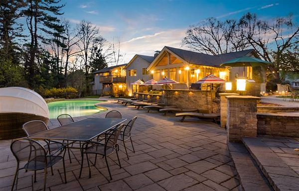Luxury homes in one of the nicest hidden gems in Longmeadow