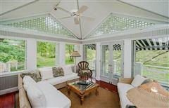 Mansions Private 24-plus acre estate