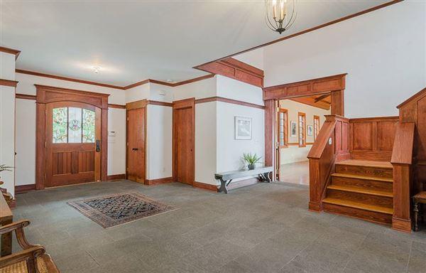 Graymoor Manor on Indian Lake luxury properties