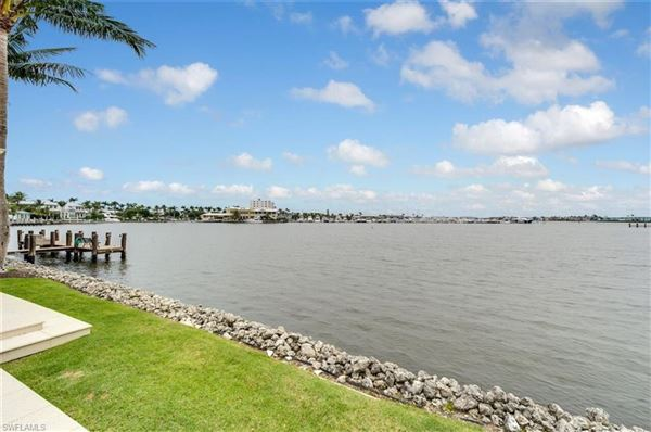 Luxury homes One Of Naples Most Coveted Waterfront Properties
